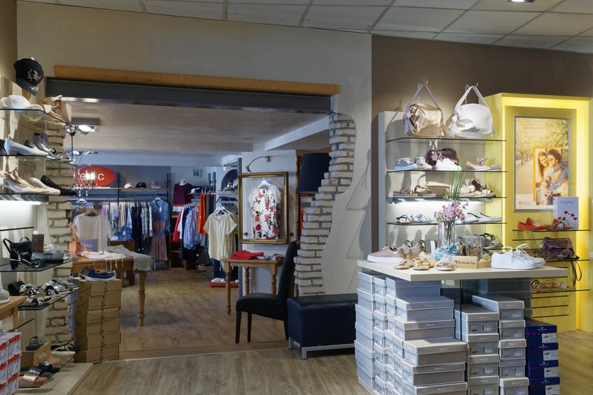 Bilder Db Fashion Schuhmode Sportmode Modehaus In Dahn